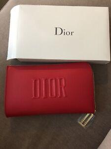 Dior Red Luxurious Makeup Purse Wallet Bag Bag Card Holder NIB Medium Size