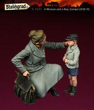 STALINGRAD MINIATURES,1:35, A Woman and a Boy, S-3141