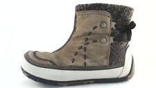 EUC $165 MERRELL Puffin Primaloft 200 gram Womens Tan Winter Boots US 9 EU 40