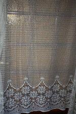 très beau rideau (store)