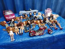 BRATZ JOB LOT - HUGE COLLECTION - CATWALK - LIMO - 22 DOLLS