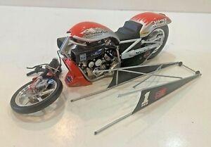 1:9 scale Screamin Eagle Vance & Hines NHRA Pro Stock Harley Davidson Bike