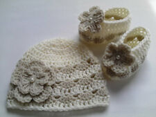 Crochet Pattern Baby Hat and  Booties set, SAME DAY DELIVERY TO YOUR EMAIL.