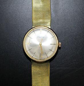 alte Armbanduhr Ruhla, vergoldet mit integrierten Armband