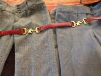 femme T 38 =4piéces=2,pantalons gris  ,un haut corsage  et ceinture rouge,dorée