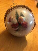 Vintage Christmad Ornament Kissing Santa M1