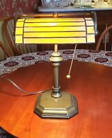 Working Vintage Brass Bankers Library Desk Lamp w/ Stained Glass & Pull Chain
