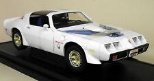 Road Signature 1/18 Scale 1979 Pontiac Firebird Trans Am White Diecast Model Car