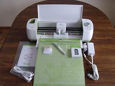 New Cricut Explore Bundle Machine 4 Cutting Mats Pen Bluetooth Adapter Scraper