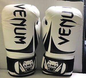 Boxing MMA Gloves Venum Challenger. 16 oz.