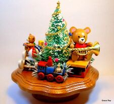 1983 Schmid Musical Collectibles Wooden Music Box We wish you a Merry Christmas