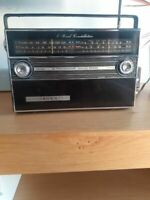 Crown Vintage Radio Transistor Am Model Works Box Working Fm