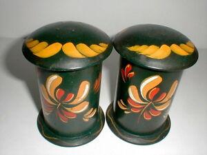 Tin Toleware Tole Ware Amish Pennsylvania Dutch Folk Art Salt Pepper Shakers