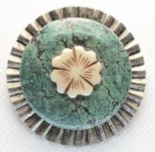 - White Flower Center - Silver Tone Brooch Pin - Flower - Green Mottled Stone