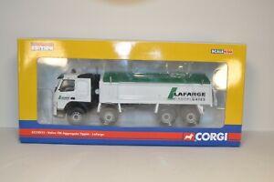 CORGI N° CC13511 - volvo fm aggregate tipper lafarge - echelle 1/50