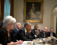 PRESIDENT BARACK OBAMA LEADS CABINET MEETING @ WHITE HOUSE - 8X10 PHOTO (CC-070)