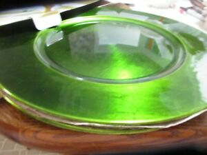 """Home Accents Belk Set Of 4 Acrylic Charger Plates 13"""" GREEN Color NIB"""