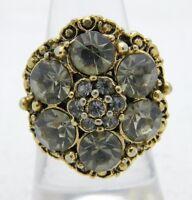 VTG Gold Tone Gray Grey Glass Rhinestone Flower Ring Size 7 Embossed Band