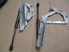 Land Rover Evoque 13-on o/s and N/s bonnet hinge bracket and strut May Split