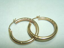 10K Yellow Gold Smooth And Etched Design Hoop Earrings  1 1/8 Inch Around