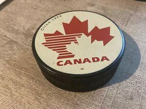 Canada Vintage Circa 1994 Official Ice Hockey Puck In Glas Co VGC