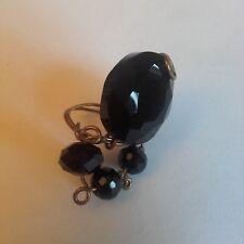 Anello hand made con pietre nere e filo d acciaio brunito color ottone accessori