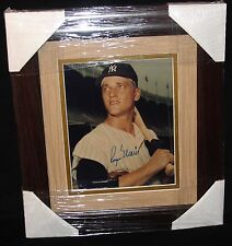 ROGER MARIS MATTED AND FRAMED AUTOGRAPHED PHOTO JSA CERTIFIED