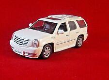CADILLAC ESCALADE, WHITE ALTAYA 1/43 DIECAST CAR COLLECTOR'S MODEL ,NEW