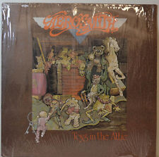 "AEROSMITH - TOYS IN THE GRENIER - CBS 231 12"" LP (Y516)"