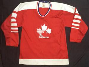 Team Canada VTG CCM Maska Hockey Jersey Medium 80's Olympic Maple Leaf Stitched