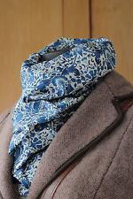 William Morris foulard Liberty Léger Tana Lawn Tissu Lodden en bleu