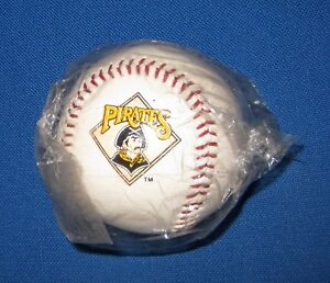 MINT Pittsburgh Pirates VINTAGE MLB LOGO BASEBALL 1988 Three Rivers Stadium MIP