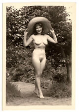 #690 RÖSSLER AKTFOTO / NUDE WOMAN STUDY * Vintage 1950s Outdoors Photo - no PC !