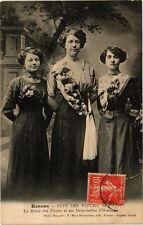 CPA Fete des Fleurs, RENNES - Lea Reine des Fleurs et ses Demoiselles (210465)
