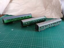 Hornby/Tri-ang 00 Gauge Green Coaches x3
