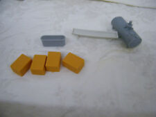 1/64 Ertl Farm Country Hay And Other Farm Items