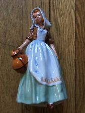 Vintage Royal Doulton '' The Milkmaid ''Figurine Made in England
