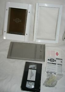 "PetSafe Classic Pet Door Aluminum Frame Small Pets up to 12 lbs 7.5"" x 5 White"