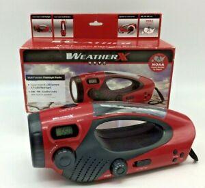 AM/FM WEATHER RADIO + LED FLASHLIGHT  IDEAL EMERGENCY OR SAFETY RADIO