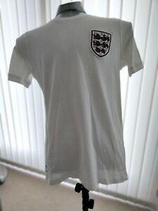 England home retro remake shirt 1966 to 1970 by Umbro size Medium.