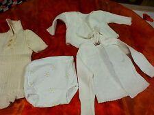 lot 5piéces bébé   vétements blanc ,0+6mois ou grand poupon