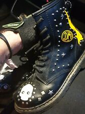 Dr martens airwair boots size 4