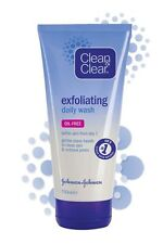Clean and Clear Daily Exfoliating Face Wash (OIL FREE) 150ml