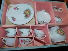 GREAT VINTAGE JAPAN PORCELAIN CHILD'S TOY TEA SET FLORAL ROSES IN BOX large size