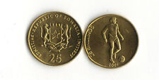 WORLD FOREIGN COINS * AFRICA * SOMALIA *25 SHILLINGS 2001*SOCCER PLAYER*LOT O10*