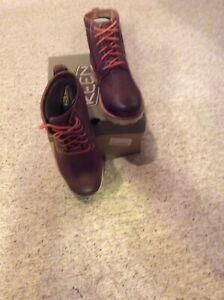 Keen Men's Boots 8
