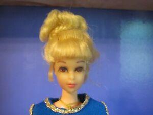 Vintage 1970 Barbie's Cousin Francie Grow Pretty Hair Doll
