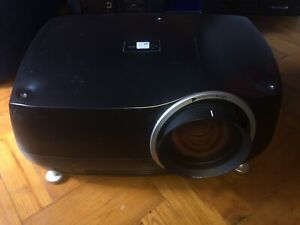 Projectiondesign F32 sx+ -   with EN13  lens / Linse   -    lampe: 0/515 stunden