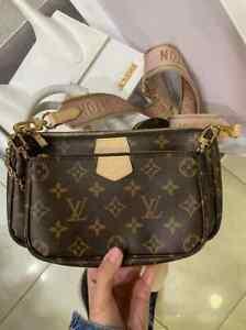 Louis Vuitton M44840 Multi Pochette Accessoires Crossbody Bags - Rose Clair