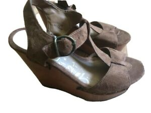 Brash Sandals Size 7.5 Brown Buckle Wedge Shoes